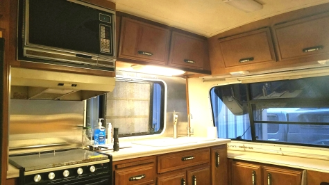 orig microwave in our 1987, 32S_ march 2020